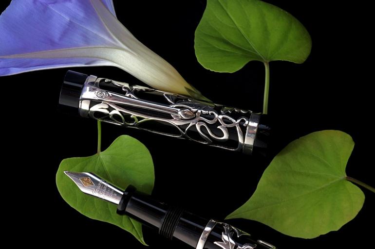 Image of SImpole Pen
