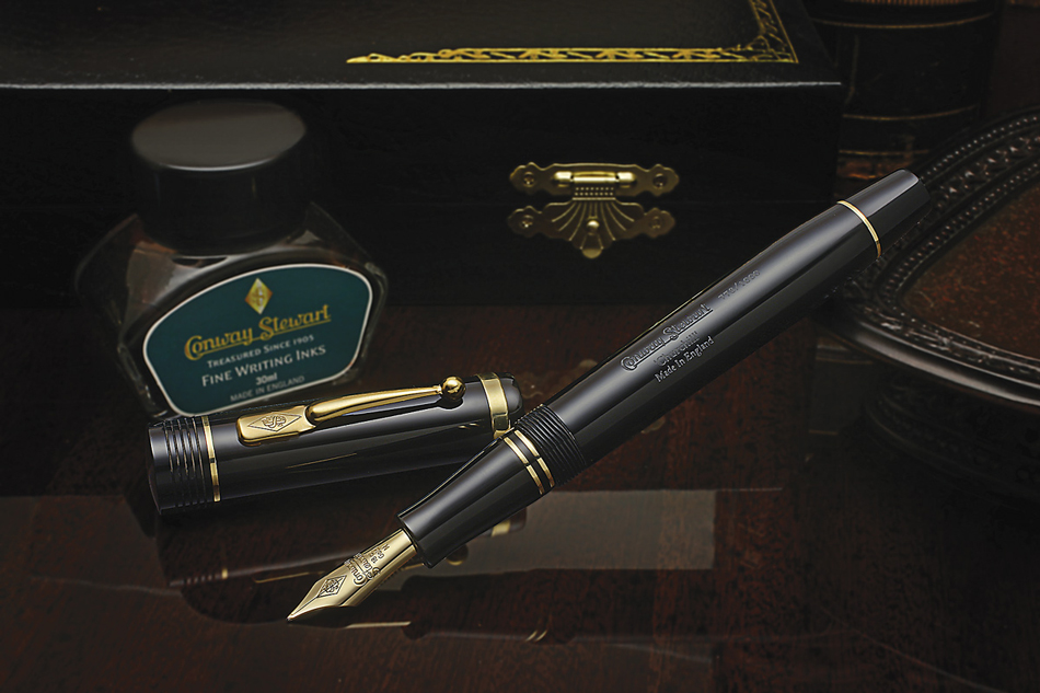 Conway Stewart Classic Black Churchill